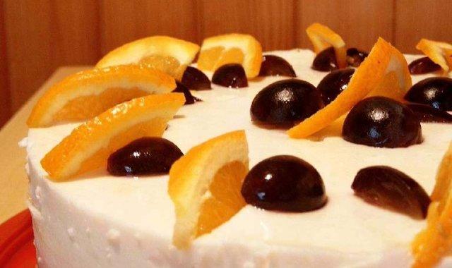 Tort jogurtowy