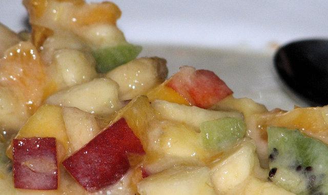 Smaczna sałatka owocowa dla wszystkich