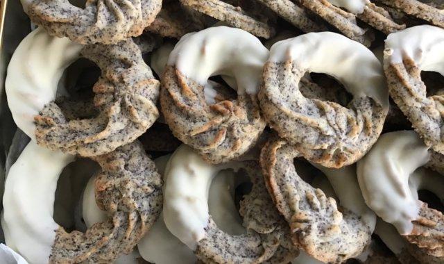 Ciasteczka wianuszki z makiem
