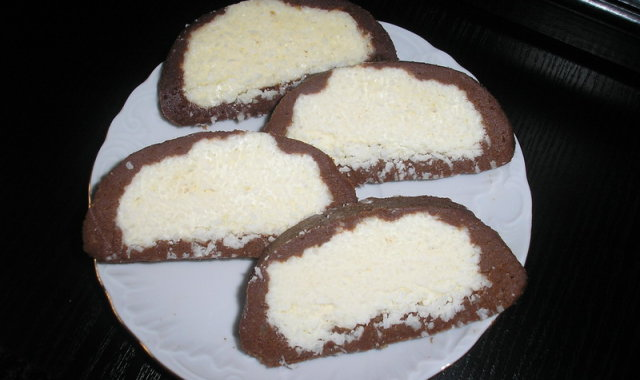 Rolada kokosowa