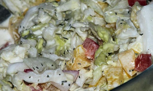 Sałatka z kapusty pekińskiej do grilla