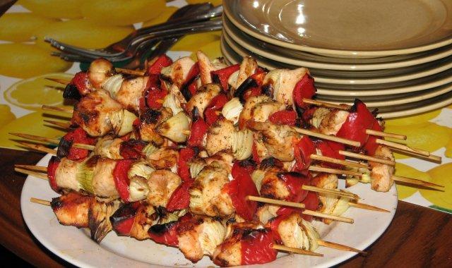 Szaszłyki drobiowe z papryką i cebulą
