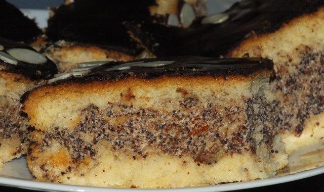 Ciasto biszkoptowe z masą makową