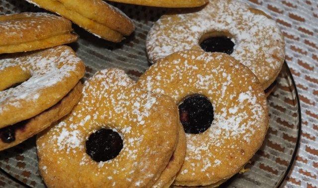 Ciasteczka marchewkowe z powidłami