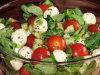 Lekka sa�atka z roszponk�, pomidorkami i mozzarell�