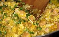Jajecznica z w�dzonym kurczakiem
