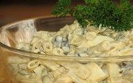 Sa�atka z fasolki szparagowej i og�rk�w kiszonych