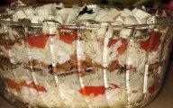 Sa�atka z kapusty peki�skiej, mielonego mi�sa i mozzarelli