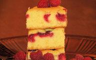 Szybkie ciasto na różne sposoby - to jest z malinami