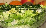Zielona sa�ata w cebulowo-porowym sosie