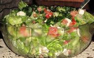 Zielona sa�ata w sosie z pomidorami i serem Feta
