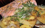 Ziemniaki z �ososiem - lekki obiad z parowaru