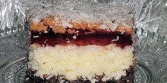 Ciasto kokosowe z galaretk� w lekkim zimowym puchu ;)