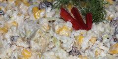 Egzotyczna sałatka z kurczakiem