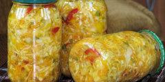 Kolorowa sa�atka warzywna na zim�
