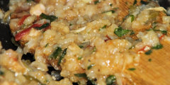 Kolorowe danie ry�owe z kurczakiem