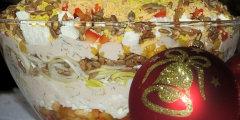Pyszna warstwowa sa�atka z serem feta i s�onecznikiem