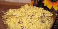 Sa�atka curry z ciekawymi dodatkami