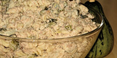 Sałatka makaronowa z kalafiorem
