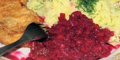 Sałatka z czerwonych buraków i czerwonej papryki