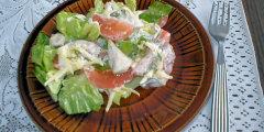 Kurczak w zielonej sałacie