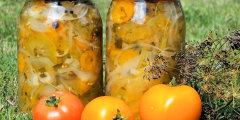 Sa�atka z zielonych pomidor�w i marchewki