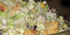 Sałatka z zupkami chińskimi - trochę inaczej