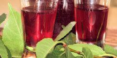 Szybka nalewka z owoc�w i li�ci wi�ni