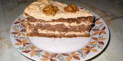 Tort biszkoptowo-orzechowy