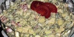Chrupi�ca sa�atka z og�rk�w konserwowych i pora