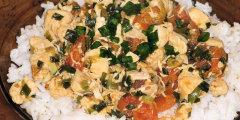 Filet kurczaka w pomidorach i zielonej cebulce