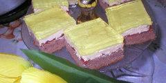Kakaowy biszkopt z mas� budyniow� i galaretk�