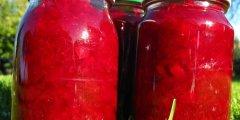 Buraki z papryką i cebulą w octowej zalewie
