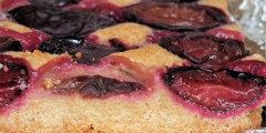 Kruche i pe�noziarniste ciasto ze �liwkami