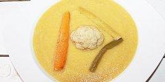 Krem z kalafiora, fasolki i marchewki