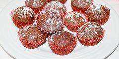 Muffiny czekoladowe z nut� cytrynow� i orzechami
