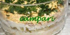 Warstwowa sałatka jajeczno-tuńczykowa