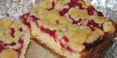 Dro�d�owe ciasto z czerwonymi porzeczkami