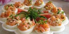 Jajka faszerowane w�dzonym �ososiem