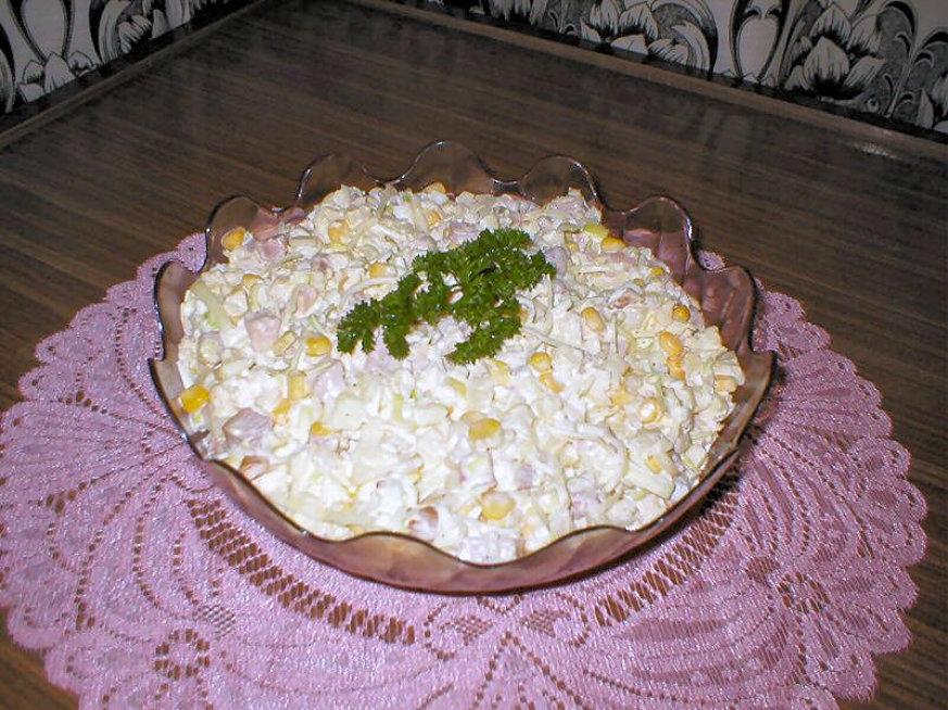 Salatka Z Ananasem I Selerem Przepisy Kulinarne Salatki
