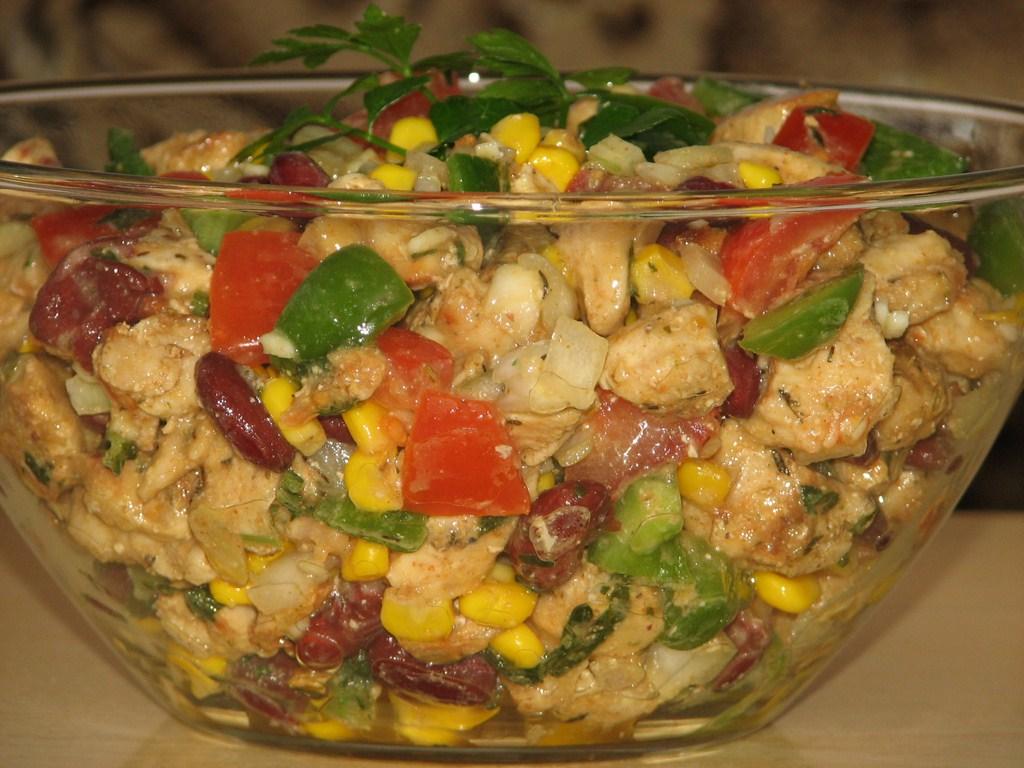 Рецепт салата с капустой и крабовыми палочками и кукурузой